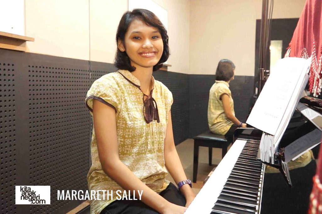 Belajar Piano : Margareth Sally – Fingering di Piano