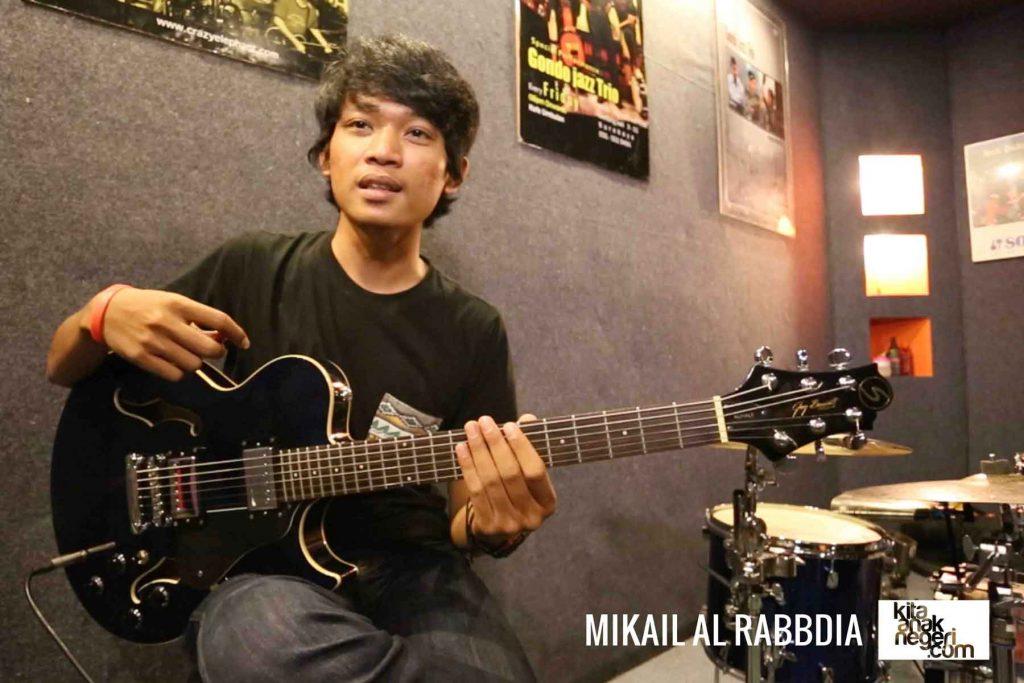Belajar Gitar Elektrik : Mikail Al Rabdia – Swinging Feel