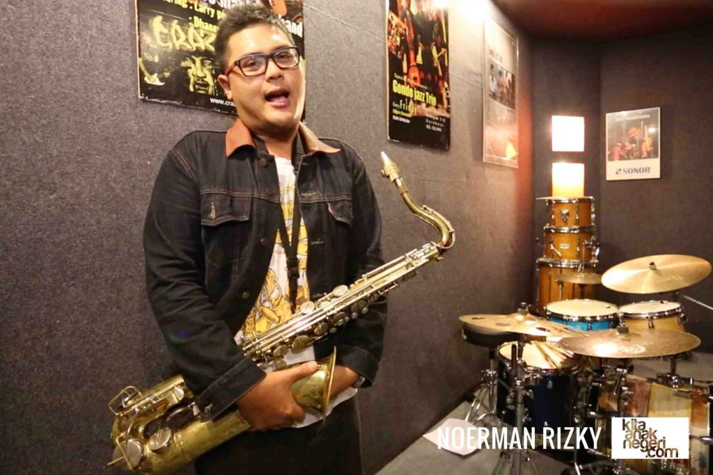 Belajar Saxophone : Noerman Rizky – Belajar Long Tone