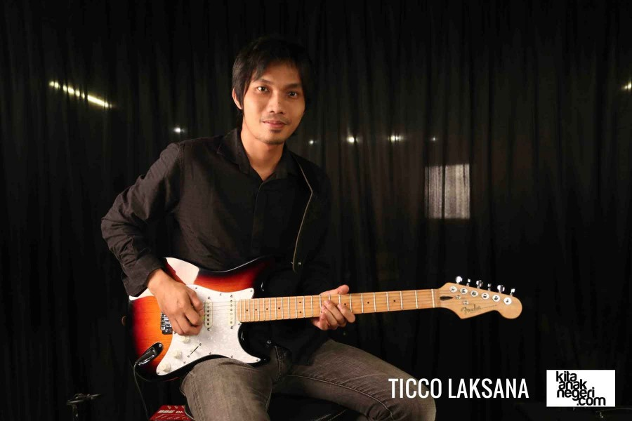Belajar Gitar Elektrik : Tico Laksana – Belajar membuat Part Solo