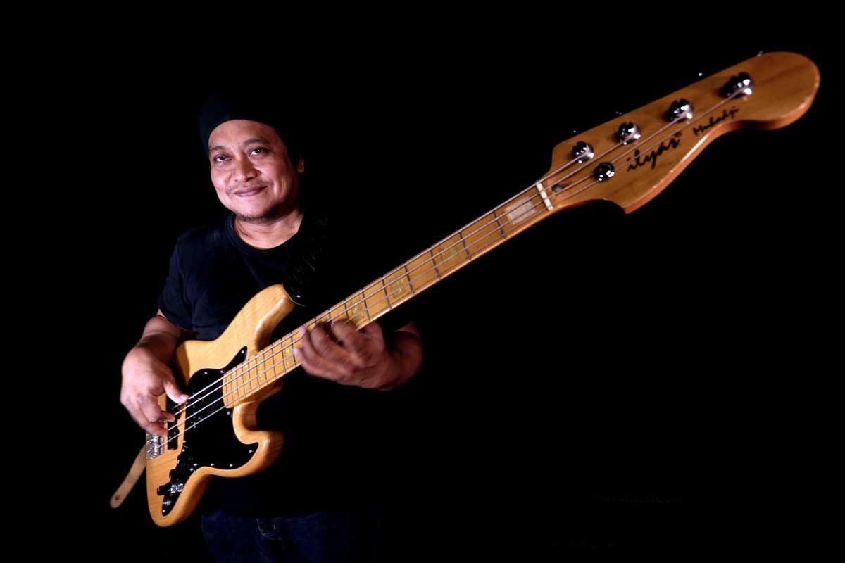 Belajar Bass : Feel Groove – Ilyas Muhadji