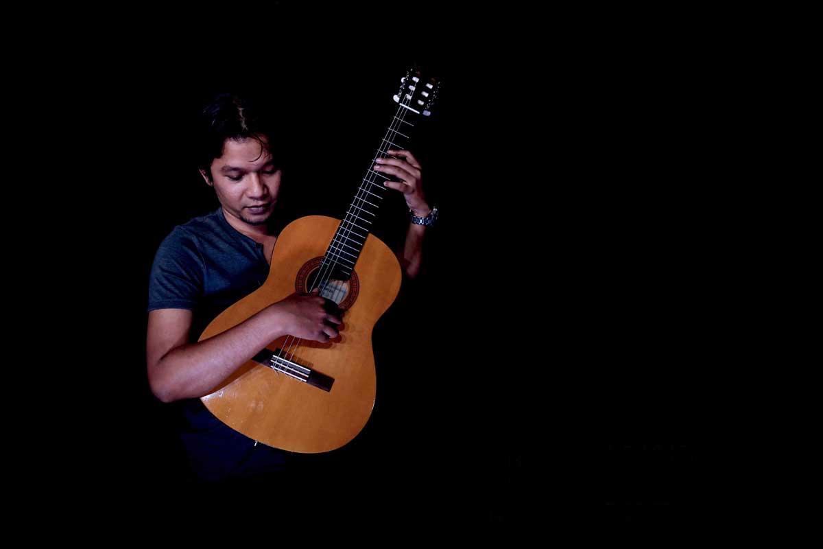 Belajar Guitar Klasik : Basic Petikan Tirando & Apoyando – Rachmat Kusnadi