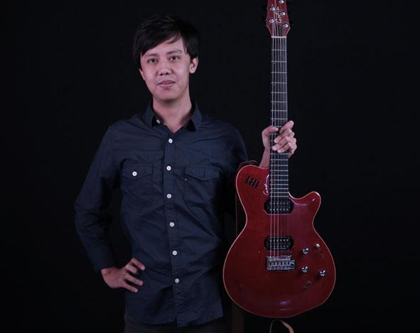 Belajar Gitar Elektrik : Dasar Chord 7 – Aditya Bayu