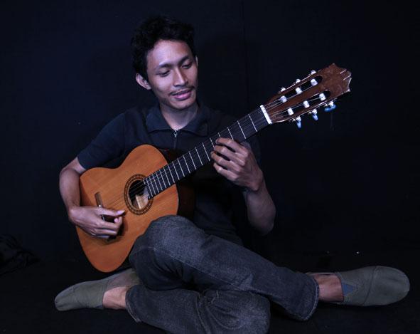 Belajar Gitar Klasik : Teknik Harmonic Natural & Artificial – Nuki
