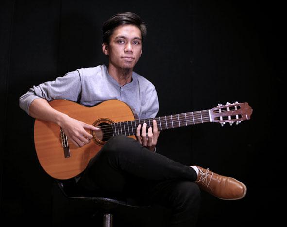 Belajar Gitar Klasik – Penggunaan jari kiri – Benny Irawan