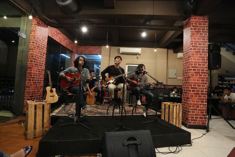 Syahdunya KITAKustik Tribute to The Beatles