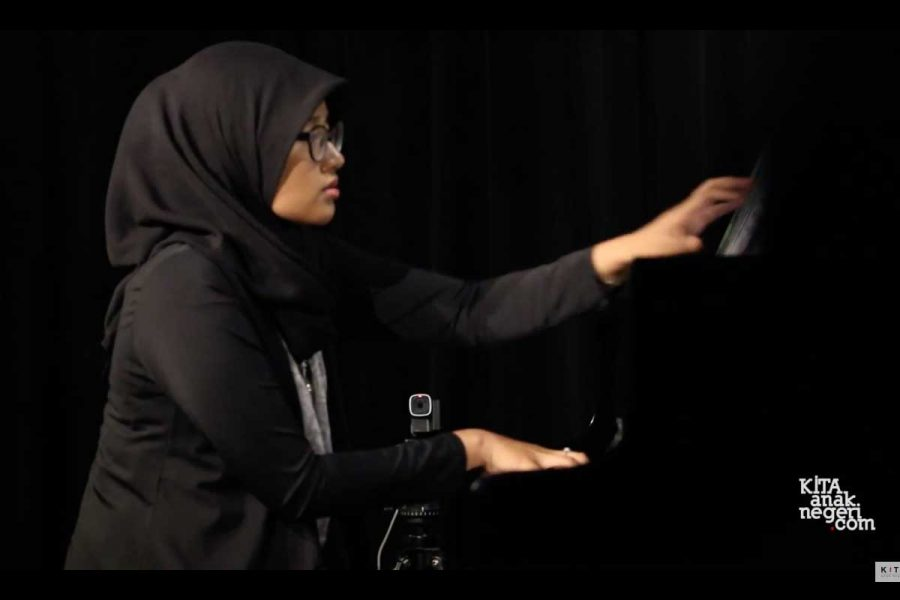 Konser Piano Klasik 2017 : Asti Fajriani – Over The Rainbow by Mark Hayes