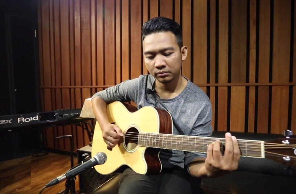 Belajar Gitar Mudah Bareng Indra Prasetyo | Rendy Pandugo – I Don't Care