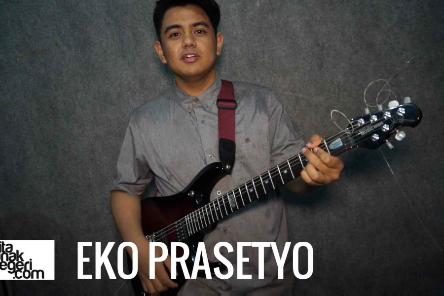 Belajar Gitar Elektrik : Eko Prasetyo – Picking, Fingering, & Shredding