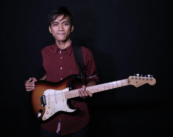 Belajar Gitar Elektrik : Pengaplikasian not 1/4 dan 1/8 – Benny Irawan
