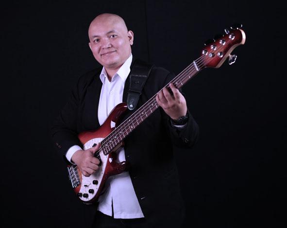 Belajar Bass : Franky Sadikin – Improvisasi slap bass
