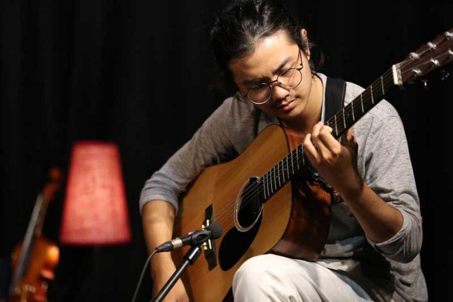 Belajar Gitar : Teknik Boom Chick – Kevin Nikolas