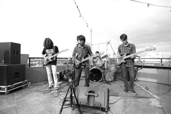 KITAKustik : Concert On The Rooftop Berlangsung Meriah!