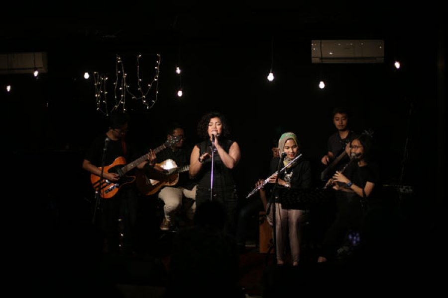 Kesenduan Nan Dahsyat di KITAKustik #7 Tembang Lagu Indonesia